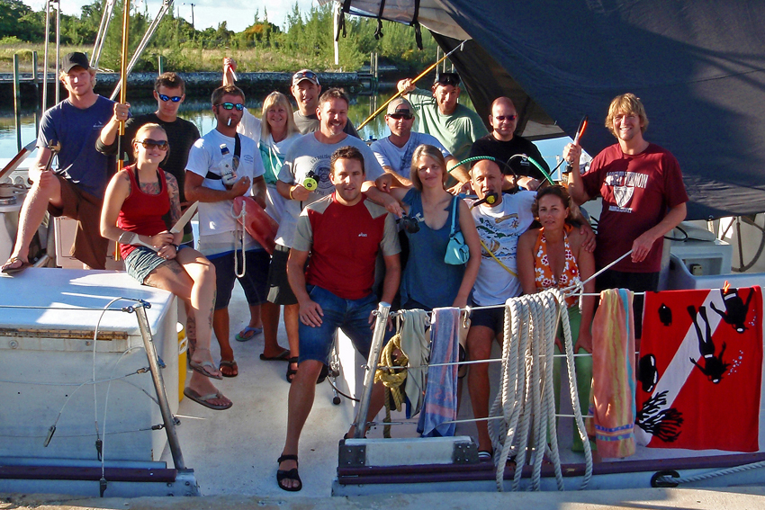 Gruppenfoto Blackbeard Segelturn Bahamas