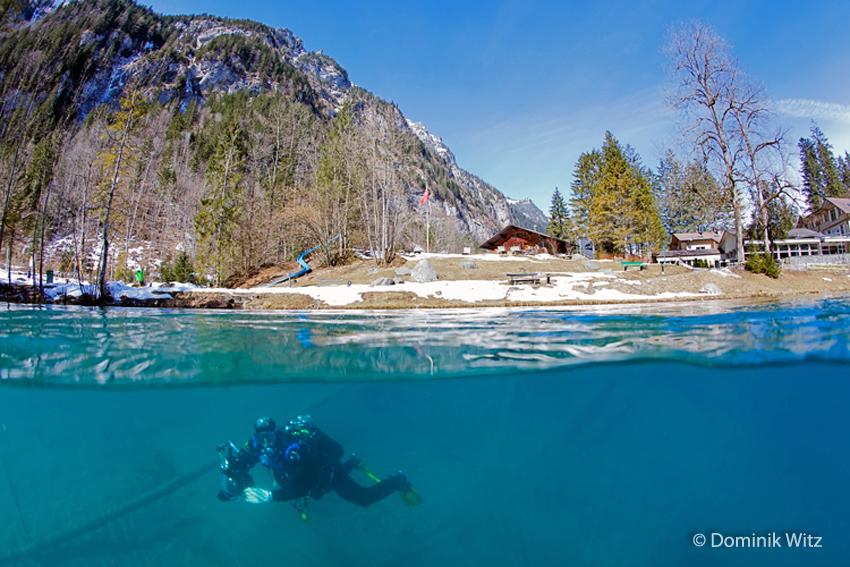 Taucher im Blausee